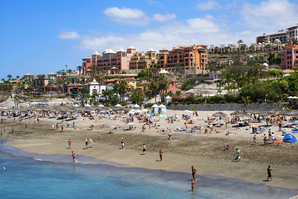 Коста Адехе пляжи
